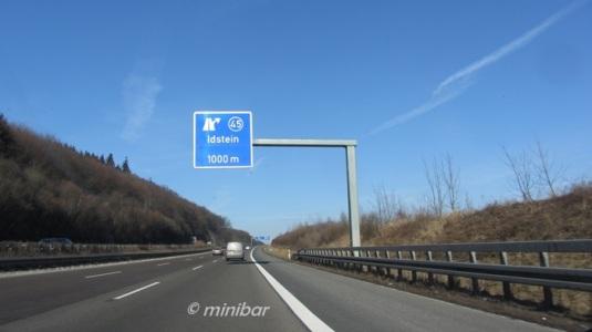 blaues Schild blauer Himmel 6064